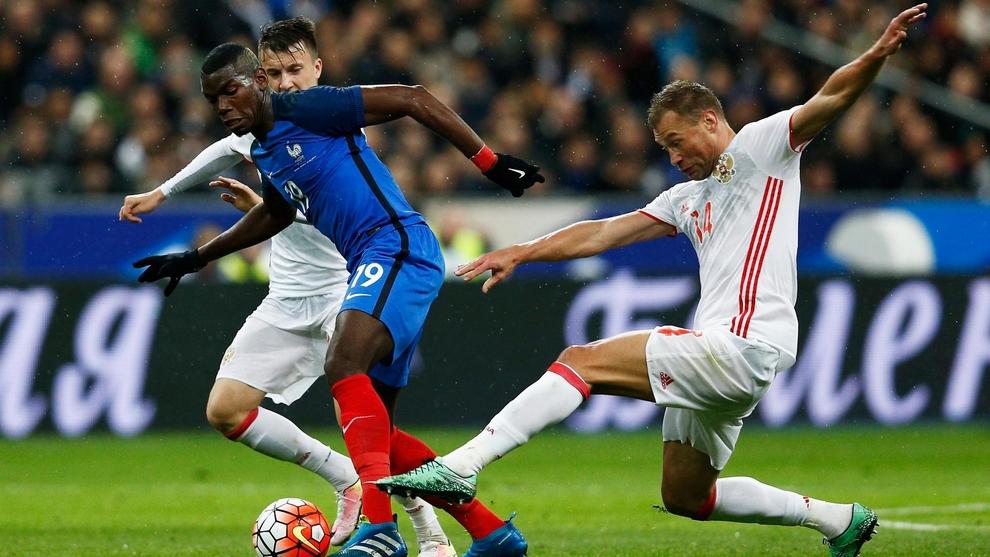 Товарищеский матч Россия-Франция начнется с мин. молчания